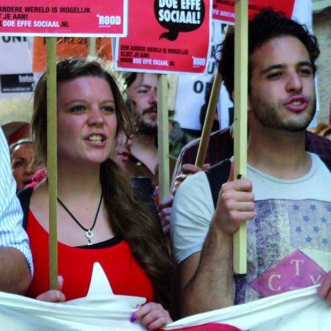 ROOD demonstreert tegen de verhoging van de collegegelden
