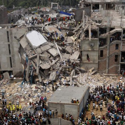 CC: http://upload.wikimedia.org/wikipedia/commons/0/0c/Dhaka_Savar_Building_Collapse.jpg