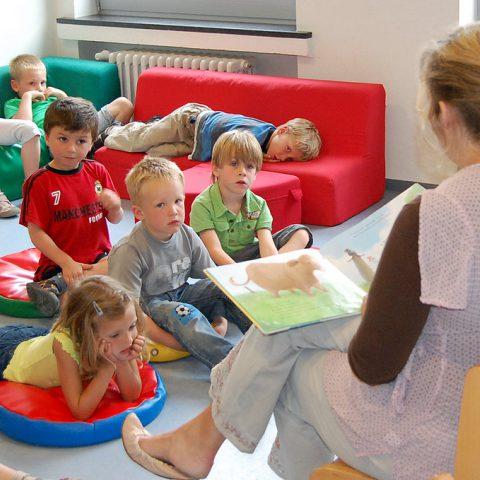 Kinderopvang (Flickr: bibliotheekkortrijk, CC by-nc-nd/2.0/)