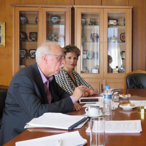 Roemer en Kox in gesprek met Dimitris Vitsas, de onderminister van Defensie in Griekenland