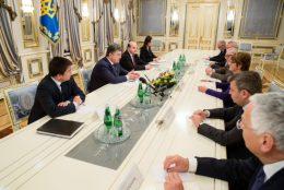 Oerleg Poroshenko met raad van Europa delegatie in Kiev